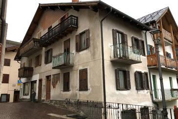 Porzione di casa da ristrutturare a Tonadico