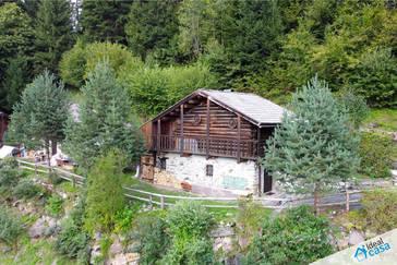 Rustico abitabile a 1 km dalla frazione di Siror