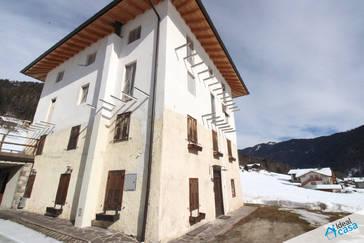 Appartamento al grezzo in posizione panoramica a Zortea